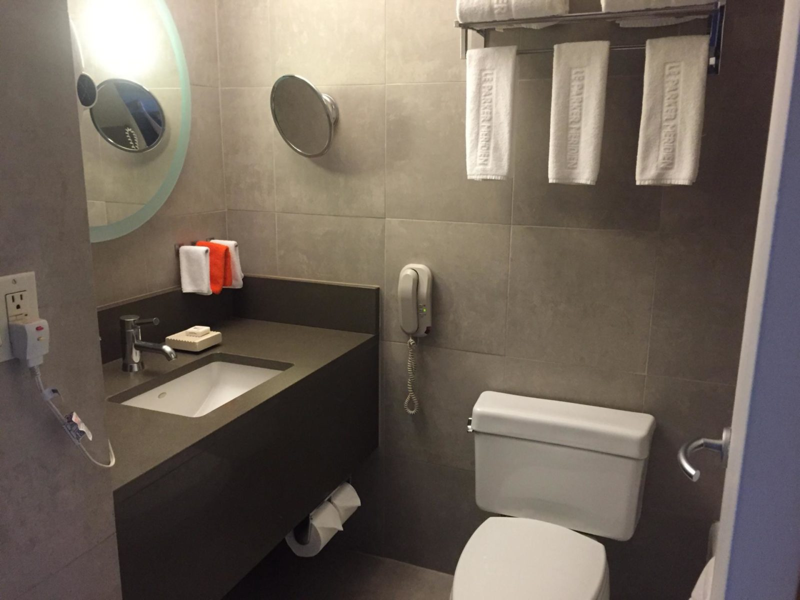 Bathroom-Le-Meridien-Parker