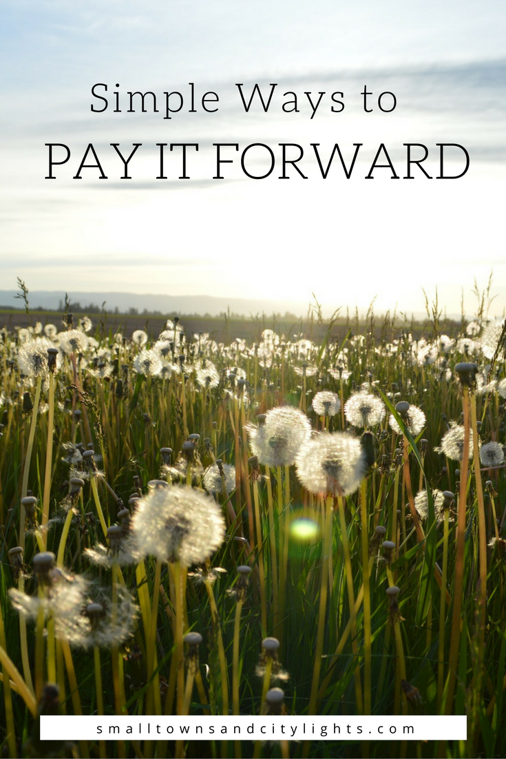 We could definitely use more kindness in the world! Read these simple ways to pay it forward!