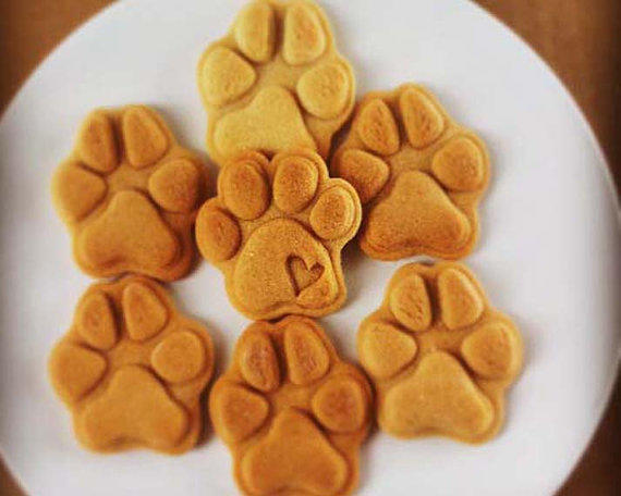 pawprint-cookie-cutter