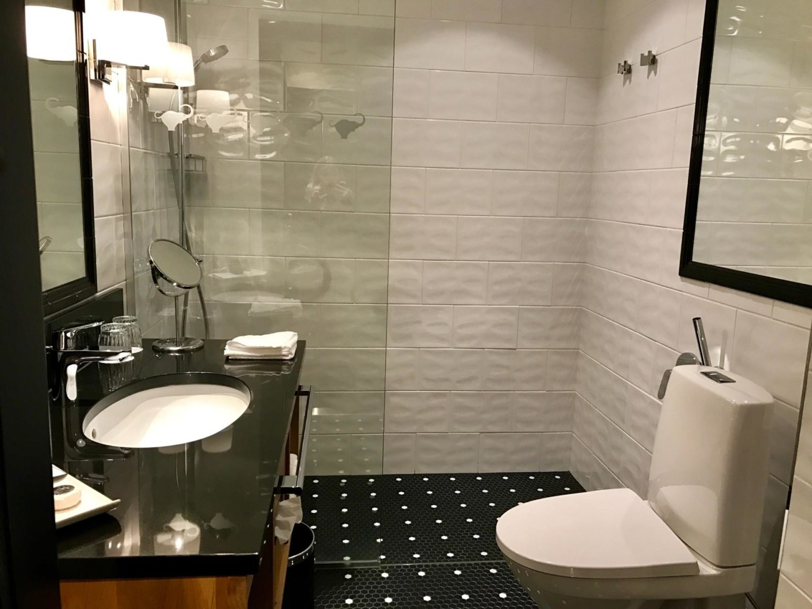 A Stay At Helsinki 39 S Hotel Lilla Roberts Small Towns